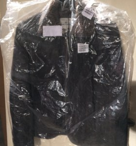 Новая короткая куртка