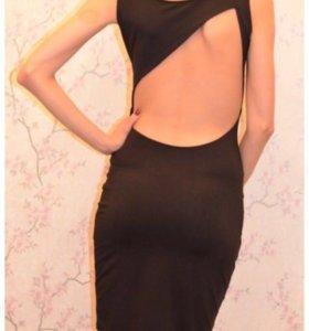 Женское платье р. 42
