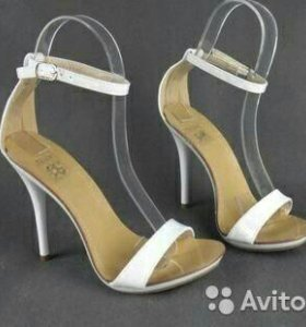 Новые туфли 40-41 размер