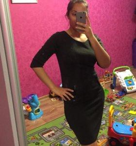 Новое трикотажное платье 44-46