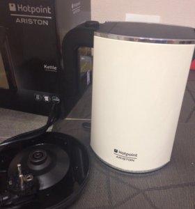 Чайник Hotpoint Ariston