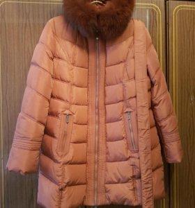 Пальто зимнее с капюшоном и поясом,размер 56