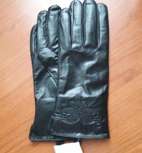 Кожанные перчатки на меховушке