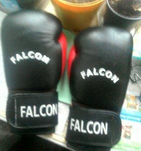 Бокс перчатки и сороконожки