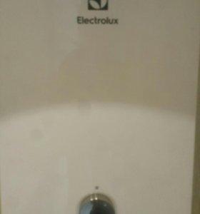 Проточный водонагреватель ELECTROLUX