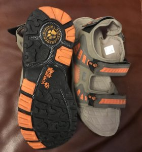 Продам новые сандали 38 размер