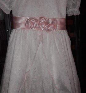 Красивое платье 98