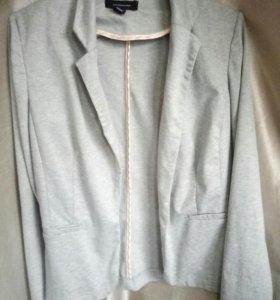 Женский пиджак (S,42 размер)