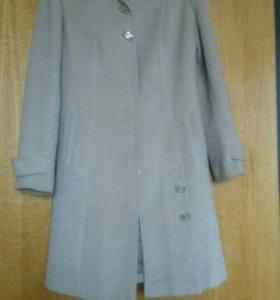 Пальто кашимировое.