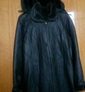 Пальто с капишоном.