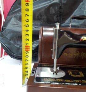 Швейная машинка ручначная