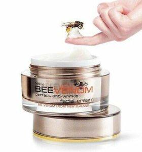 Крем с пчелиным ядом BeeVenom от Mistine