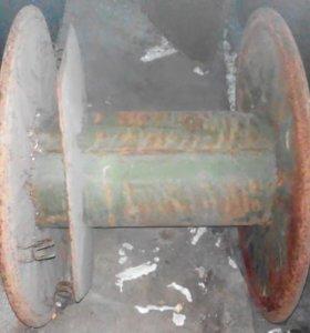 Большая катушка для кабеля, металлическая