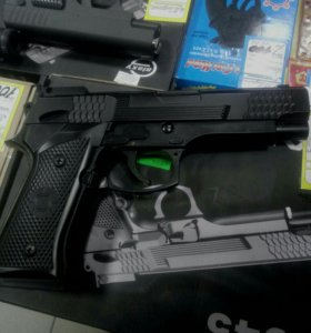 Пистолет игрушечный из метала
