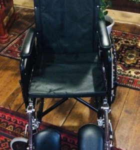 Кресло - коляска с ручным приводом