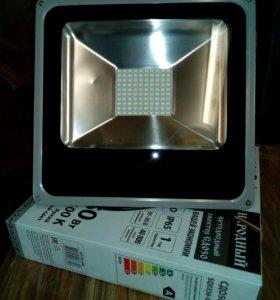 Светодиодный прожектор новый