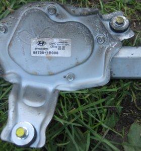 Мотор дворника на багажник хечбек Хендай Салярис