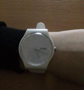 Часы swatch suow701 white rebel
