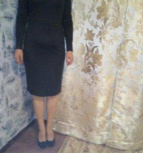 Маленькое чёрное платье.