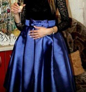 Красивое пышное платье.