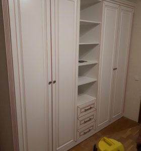 Шкафы классического стиля