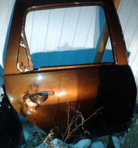 Задняя дверь на Renault Duster