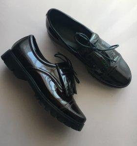 Туфли лаковые Basconi(новые)