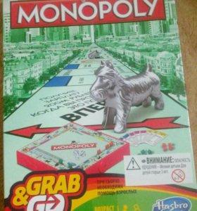 Игра Monopoly в дорожном формате