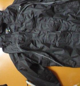 спортивная куртка новая с капюшоном
