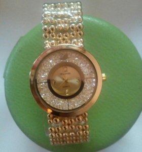 Женские часы Swarovski