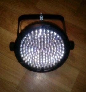 Продаю светодиодный прожектор.