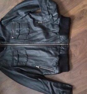 Куртка новая Colin's