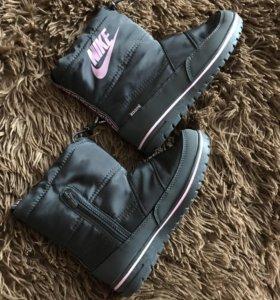 Новые сапожки Nike (зима)