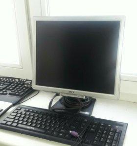 Монитор Acer и 3 клавиатуры