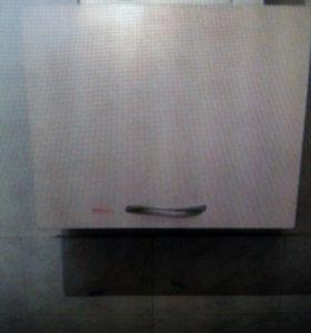 Кухонный гарнитур с раковиной и смесителем, решетк