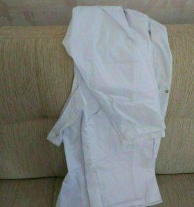 Мужской медицинский халат и шапочка для головы