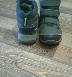 Зимние кроссовки с натуральной шерстью.