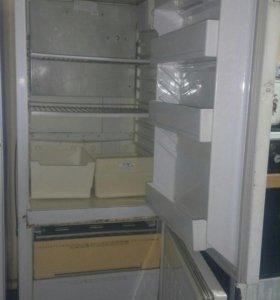 """Холодильник """"Бирюза"""" В рабочем состоянии."""