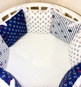 Набор в детскую круглую и стандартную кроватку