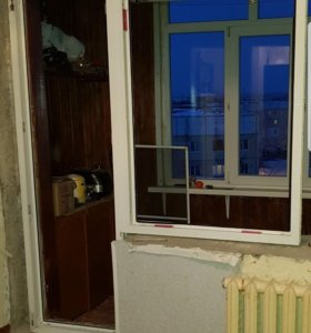 Пластиковое окно (балконный блок)