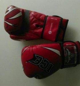 Боксёрские перчатки 12 oz