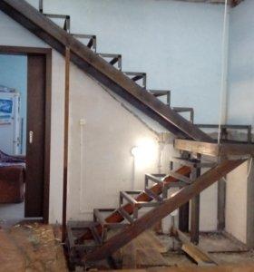 Лестницы на каркасах из металла