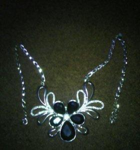 Ожерелье с цветком. Соскидкой 20%.