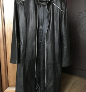Кожаное пальто / плащ