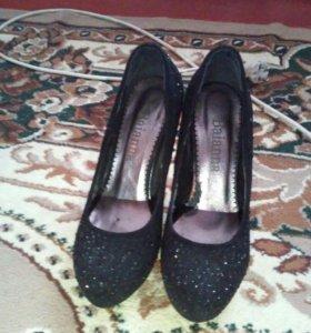 Женские красивые туфли
