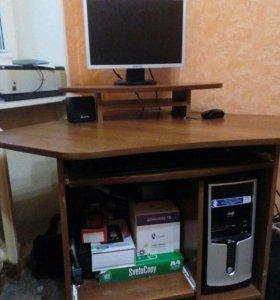 Стол компьютерный, угловой.