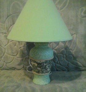 Лампа настольная (прикроватная)