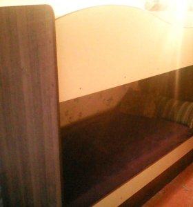 Двухъярусная кровать + матрас