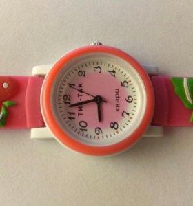 Детские наручные часы 104-2 розовая клубника