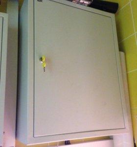 Шкаф настенный металлический (щиток)